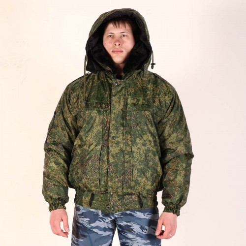 Куртка укороченная с меховым воротником и капюшоном
